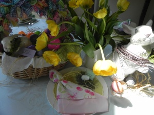 basket bunnies plate tulips