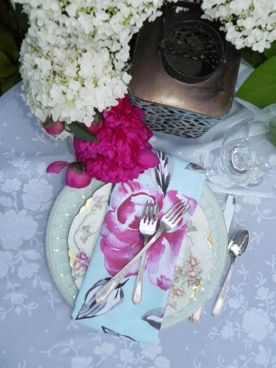 white-hydrangea-peony-orchid-napkin