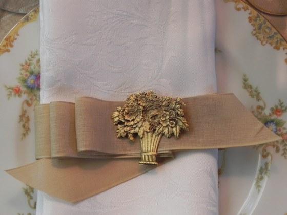 linen napkin fabric ribbon with brooch
